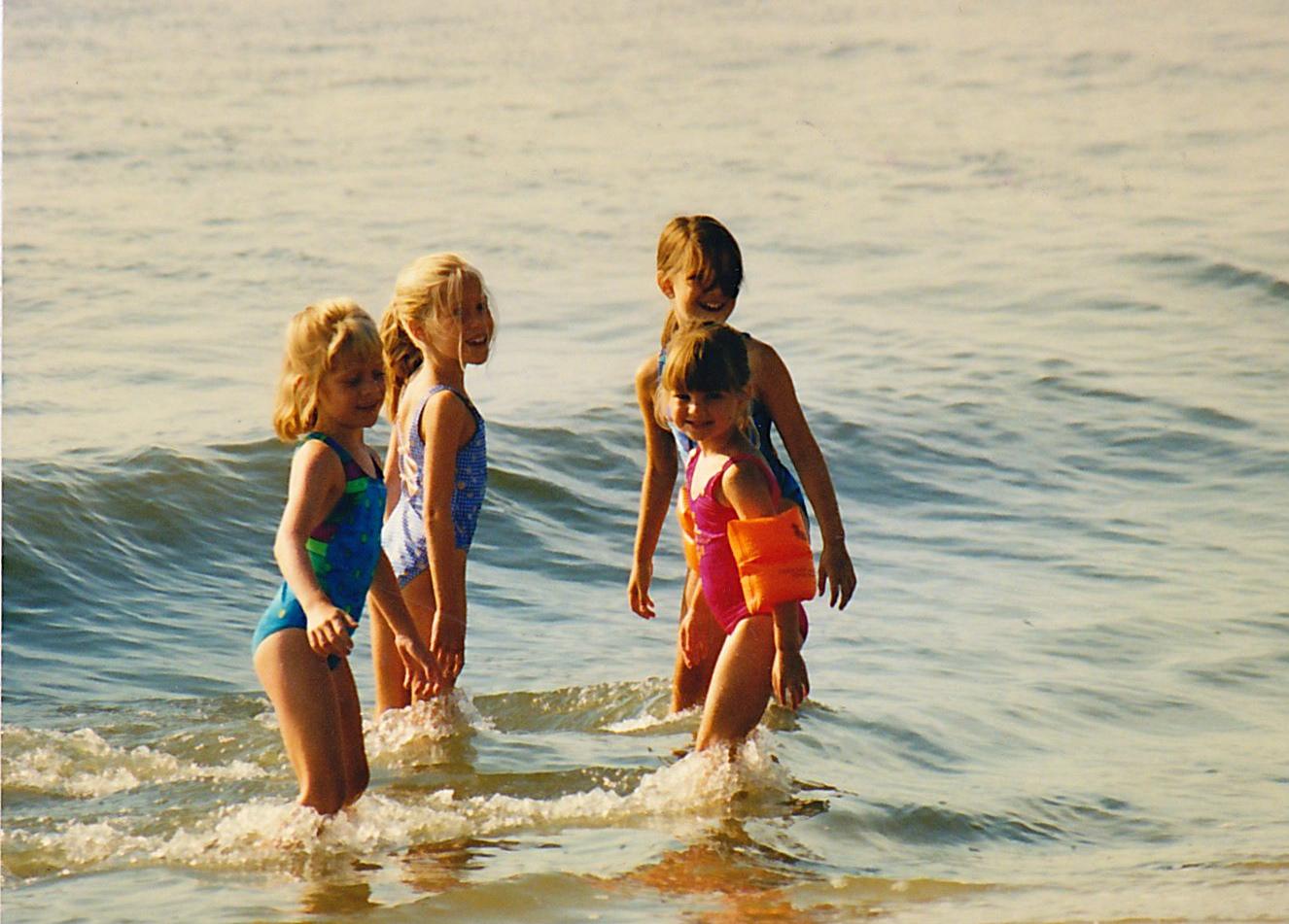 Personnal pics...Candid kids girl (at the beach) 22, at the beach (4262) @iMGSRC.RU