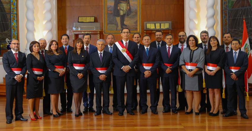 Presidente Vizcarra Juramentó a Nuevos Ministros de Estado (Gabinete Villanueva) Lunes 2 Abril 2018 - www.presidencia.gob.pe