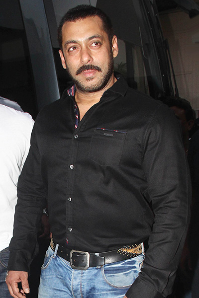 Bollywood Actors Salman Khan Upcoming Movies List 2019, 2020 on Mt Wiki. wikipedia, koimoi, imdb, facebook, twitter news, photos, poster, actress updates of Salman Khan, Next Film name Sultan, Tubeligh, Dabang 3, Kick 2