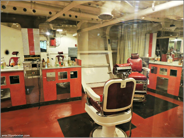 Barbería del USS Massachusetts