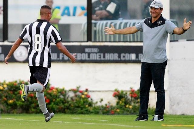 Fernandes decreta vitória do Botafogo no fim do jogo