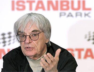 Condenan a 8 años de prisiòn a banquero que aceptò soborno de Bernie Ecclestone