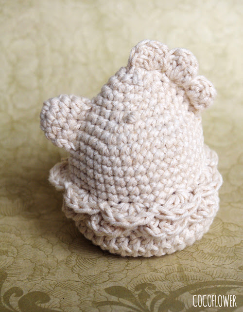 DIY Crochet Easter Chicken - Eggcup and Egg cover - Free Crochet Hen tuto - CocoFlower