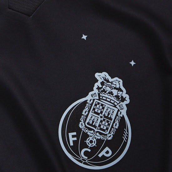 7fd5e5304 Memória Portista  Novas camisolas em equipamentos renovados do FC ...
