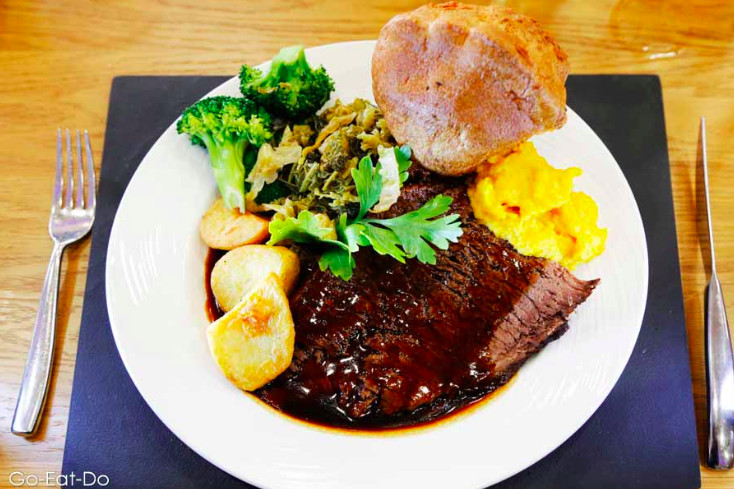 Our Guide to the Best Sunday Lunches in North East England | 30+ Recommendations & Photos - Riverview Brasserie Sunderland