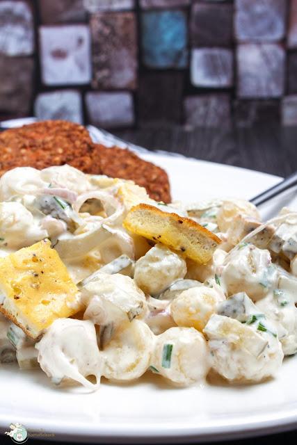 Einfacher Kartoffelsalat mit selbstgemachter Mayonnaise