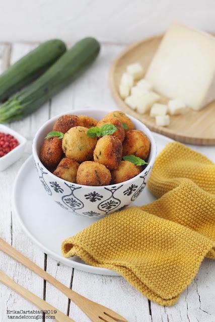 Polpette di patate e zucchine con toma