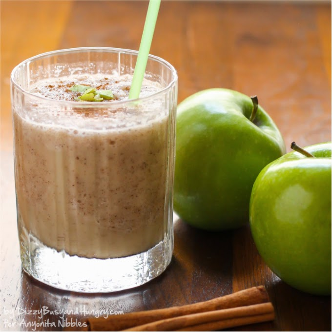 Healhty smoothie made from granny smith apples, cinnamon and nutmeg from Dizzy, Busy and Hungry for Anyonita-nibbles.co.uk