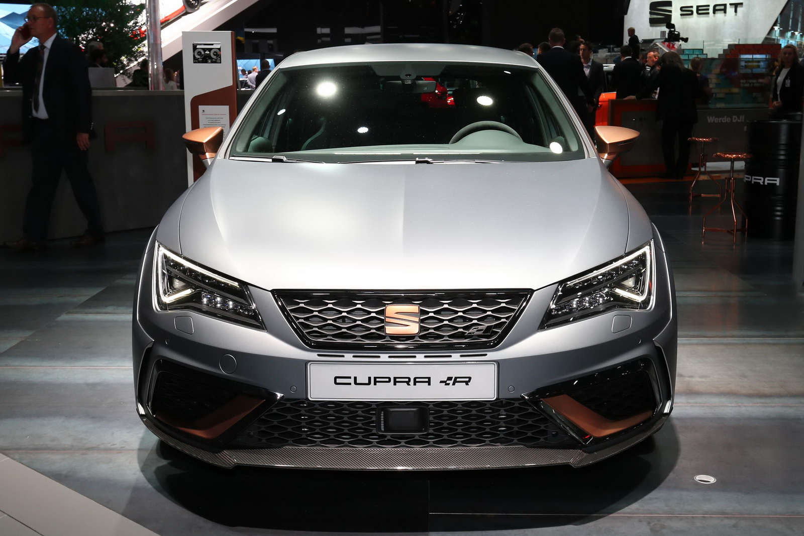 seat s most powerful leon cupra r limited to just 24 examples in the uk. Black Bedroom Furniture Sets. Home Design Ideas