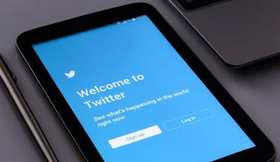 Twitter no publicará más mensajes automáticos en Facebook