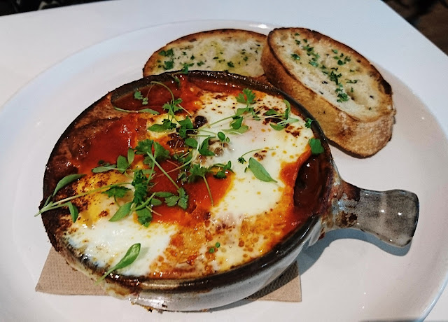 Hawthorn Common, Hawthorn, baked eggs