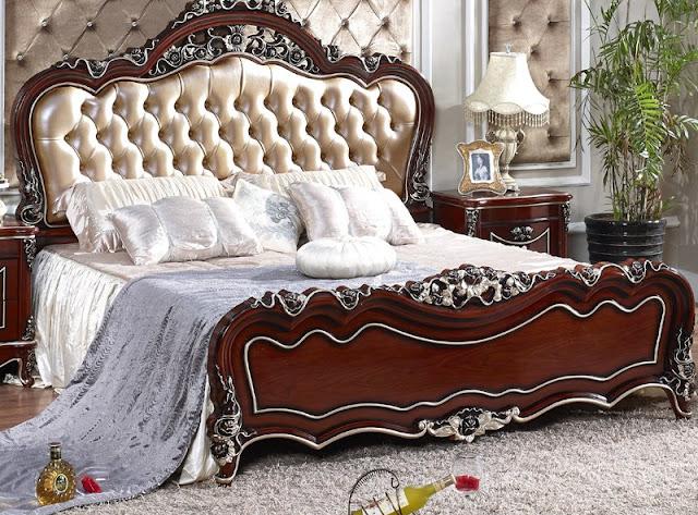 Mẫu giường ngủ cưới kiểu nữ hoàng châu âu đẹp bọc da sắc kem trang nhã