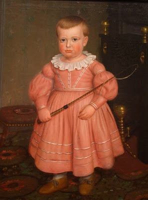 Pintura de menino com vestido rosa e chicote na mão. Pintor anônimo dos Estados Unidos, de 1840