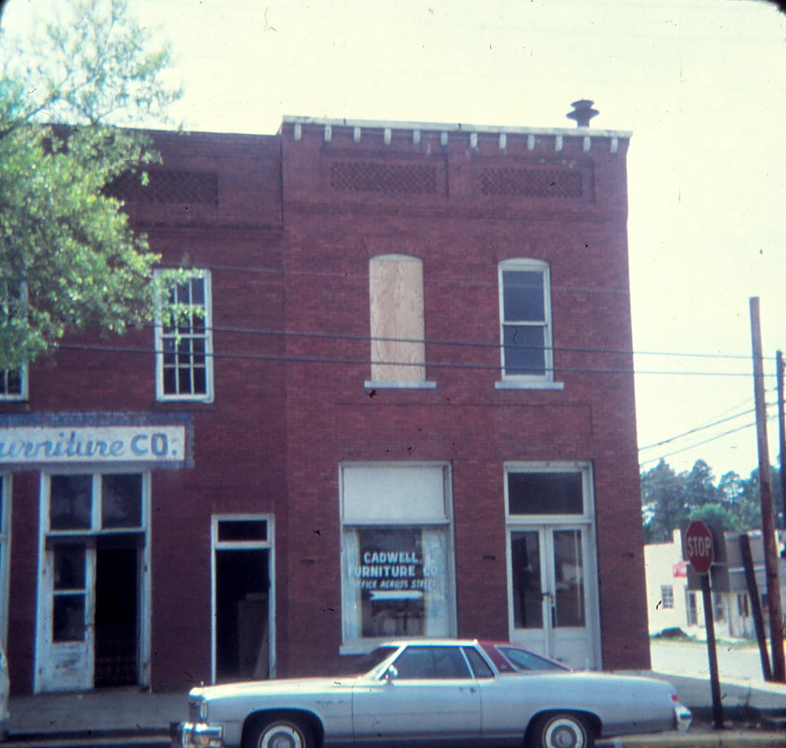 Images Of Our Past Cadwell Georgia Furniture 1972 Formerly The Bank And