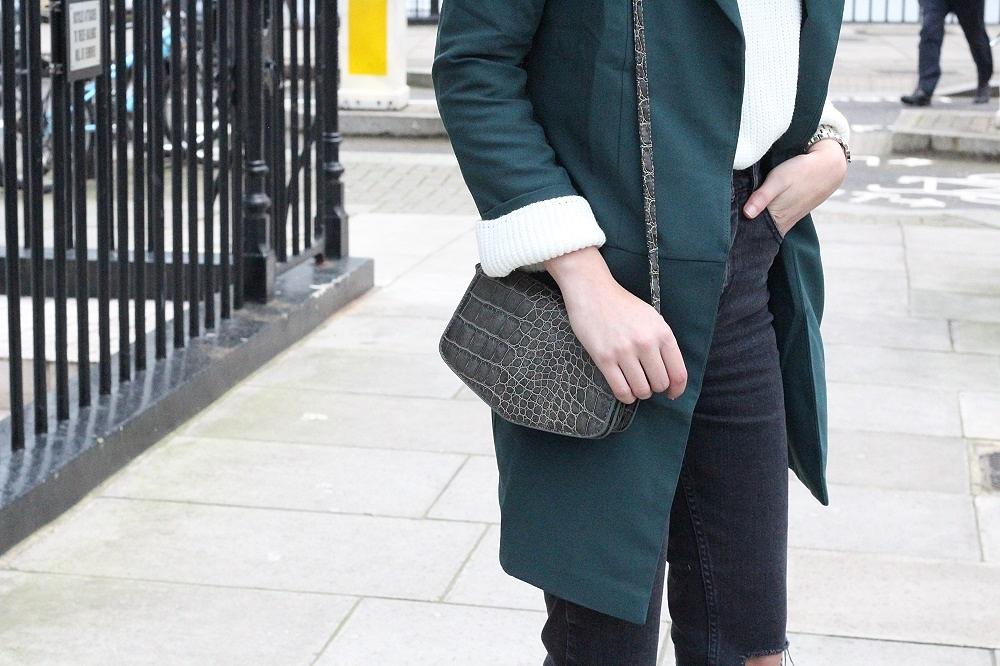uk fashion blogger in green