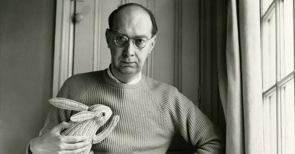 philip larkin realities of ordinary life and lyrical beauty