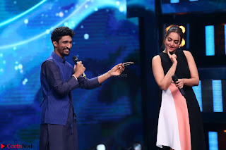 Sonakshi Sinha on Indian Idol to Promote movie Noor   IMG 1578.JPG