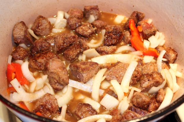 how to cook beef tips and gravy