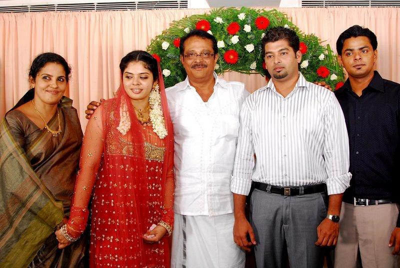Track Mail: Mammootty Brother Ibrahimkutty Daughter ...