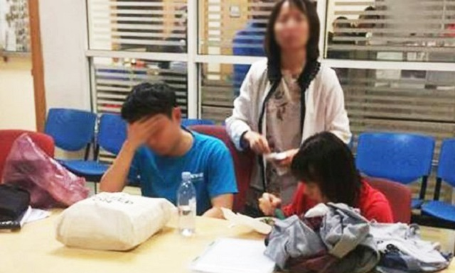 Ibu, Anak Warga Singapura Ditahan Selepas Maki Hamun, Tunjuk Jari
