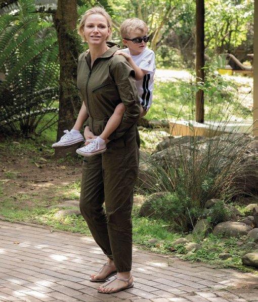 Monaco-family-on-holiday-Princess-Charlene-7.jpg