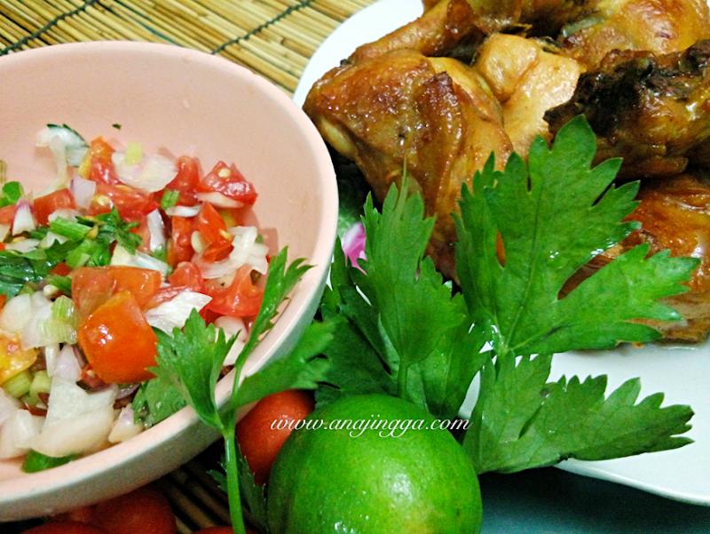 Ayam Bakar & Salad Tomato Salsa