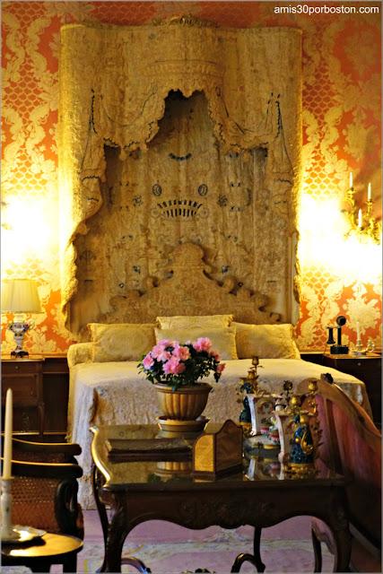 Cama del Dormitorio de Invitados de Marble House, Newport