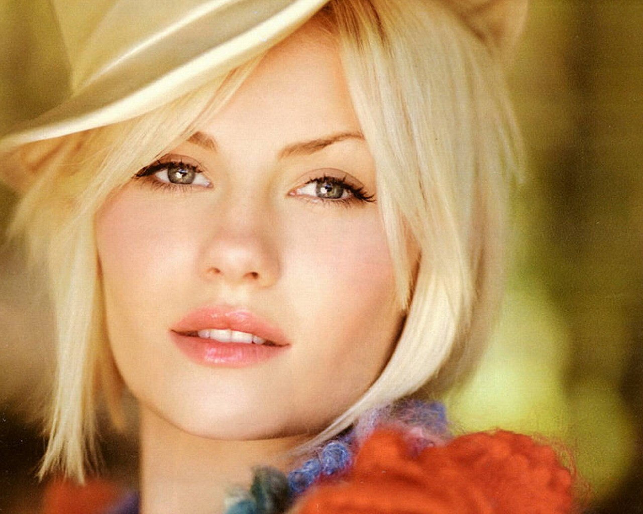 Elisha Cuthbert Hd Wallpapers: Download Elisha Cuthbert Wallpaper
