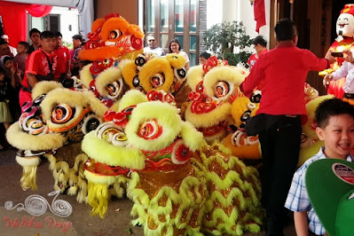 Chinese New Year 2014 Lion Dance with Henry