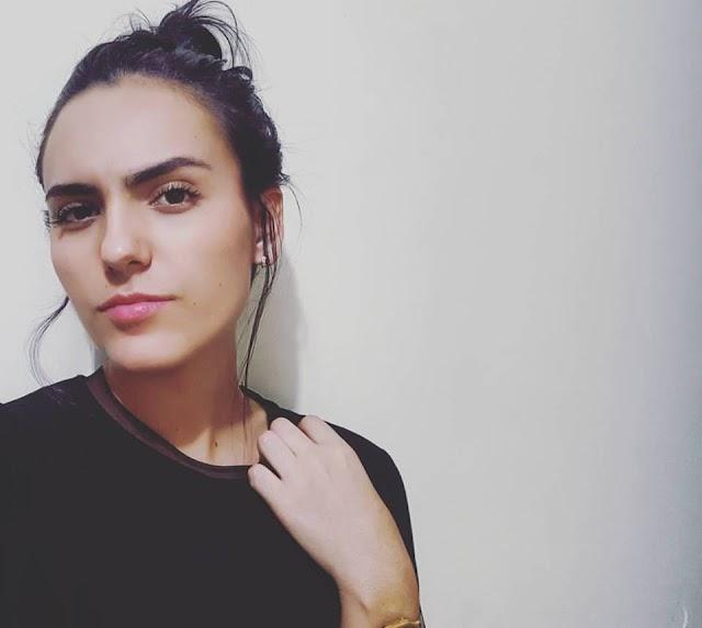 Dina Duran Y La Belleza Natural de Una niña que Baila Rock and Roll.
