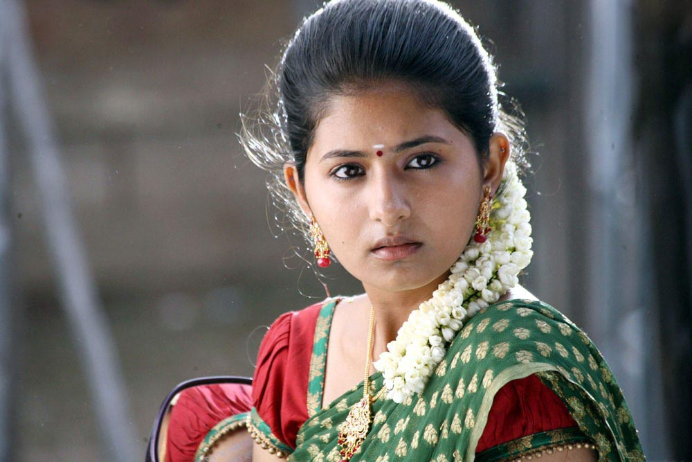 Sxx BLOG: Photos Reshmi Menon Cute Photos In Theneer