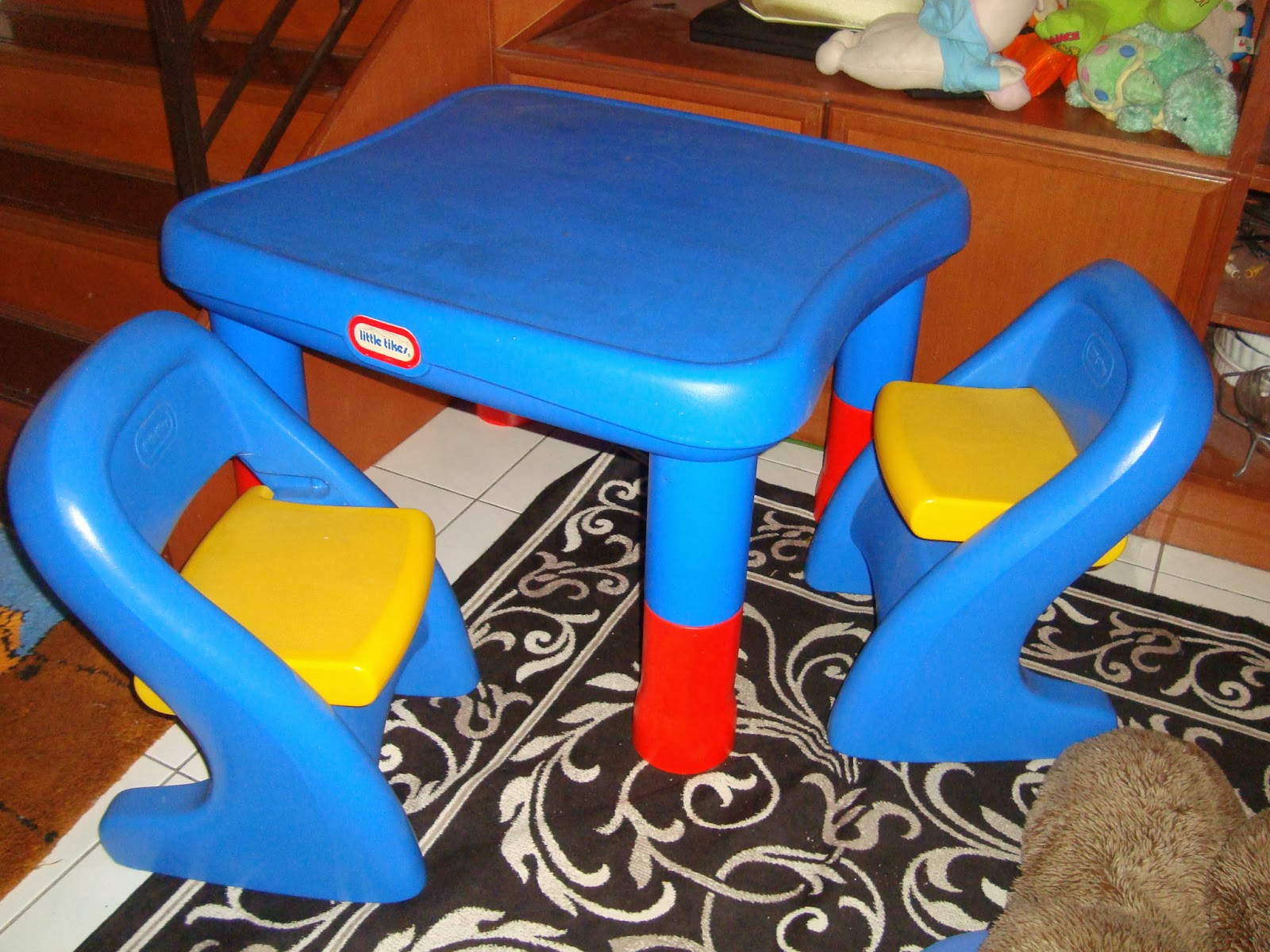 little tikes adjustable table and chairs hair wash chair size preloved toysworld thetottoys 7749 set