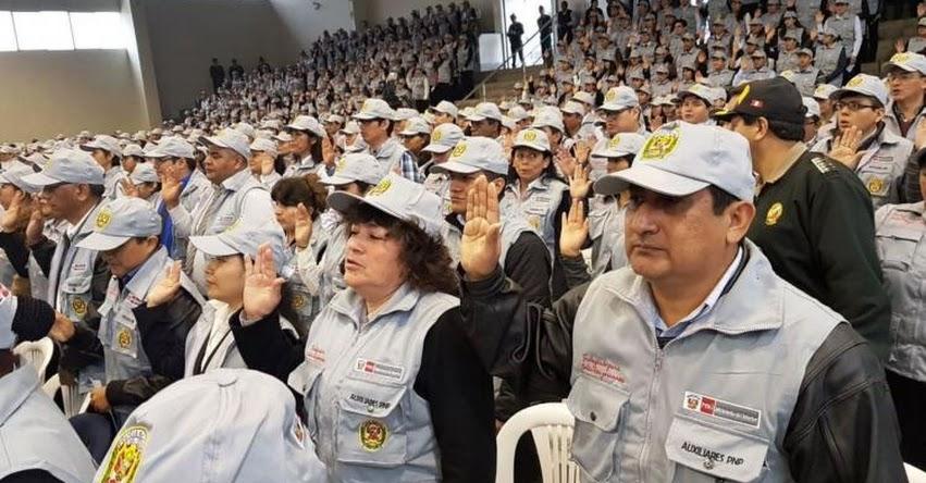 Juramentaron 946 civiles como auxiliares de la Policía Nacional del Perú - PNP - www.pnp.gob.pe