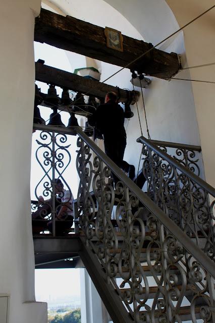 Звонари на большой Лаврской колокольне