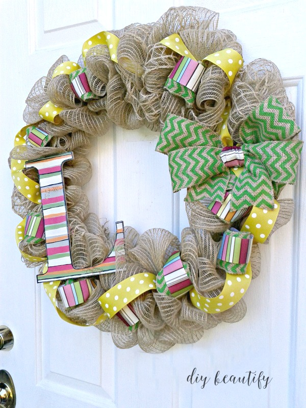 An Unconventional Wreath For Fall Using Deco Mesh And Chevron Burlap