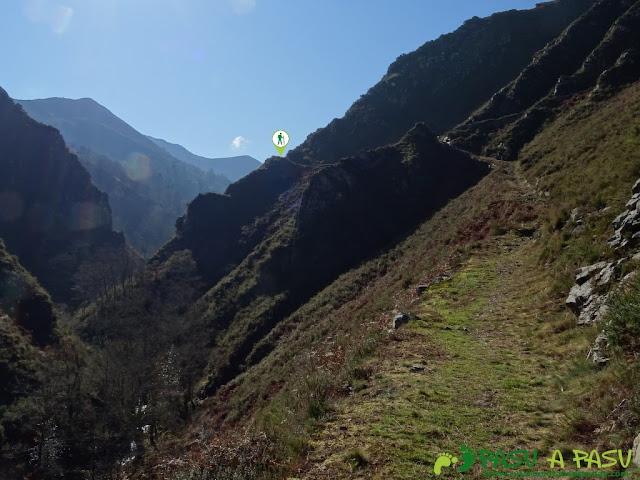 Senda del Chorrón y Foz del Río Valle: Subida por la Senda del Chorrón
