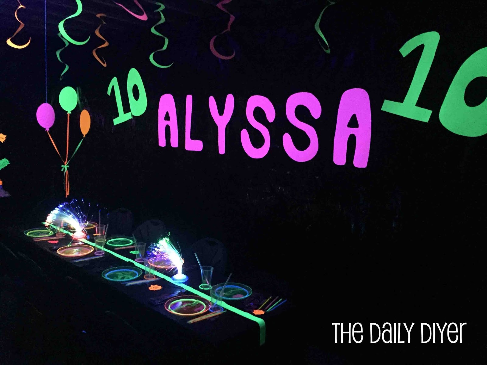 the daily diyer: glow party decorations & food