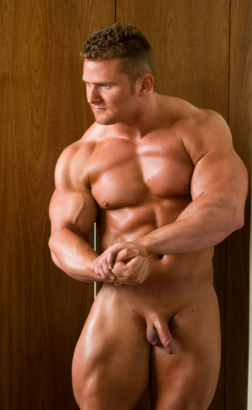 Muscle men sex Gay bodybuilders