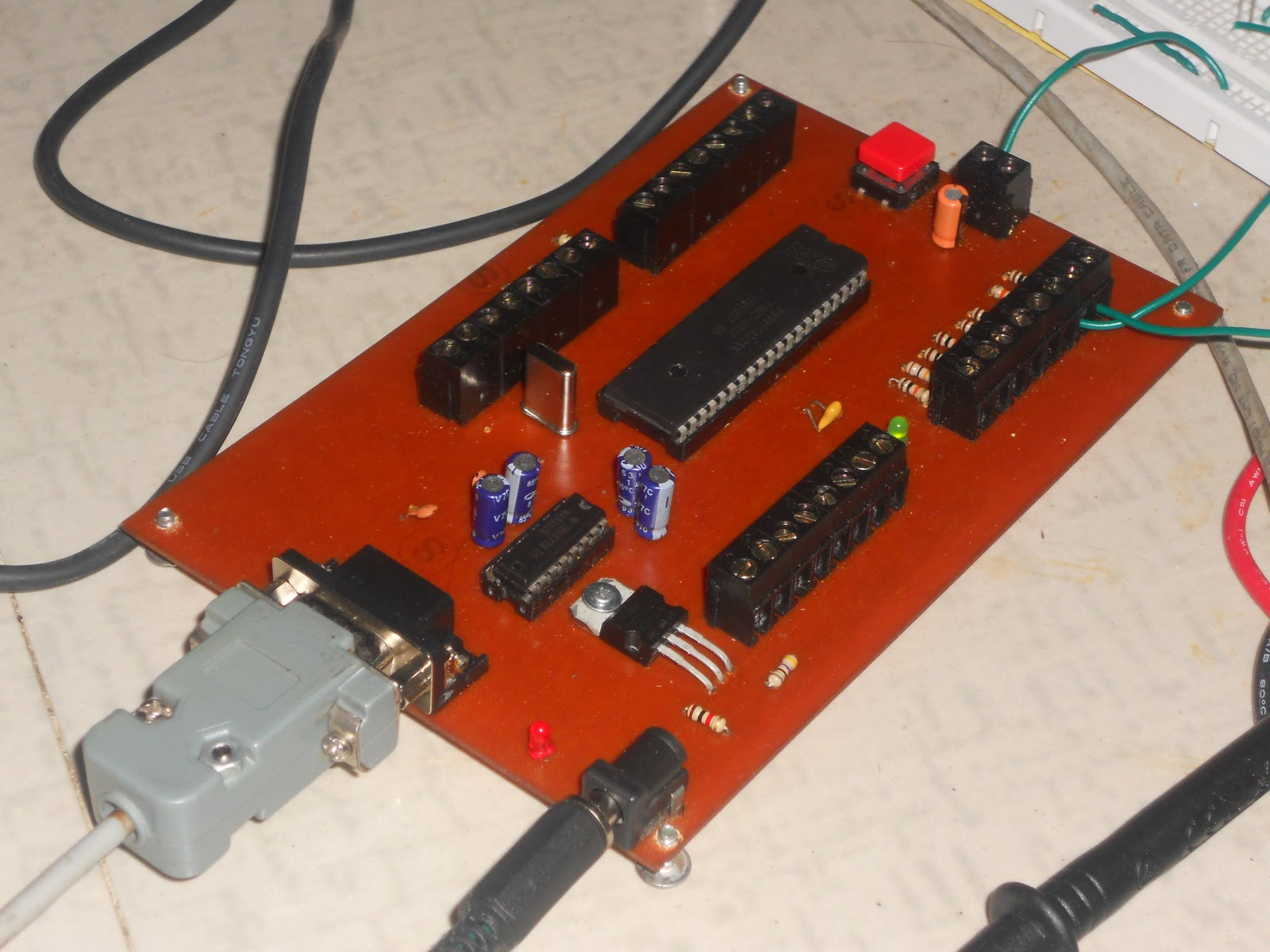 tecfornewbie 8051 isp programmer for nxp design tuturial 8051 programmer development board schematic pcb files 8051programmer [ 1600 x 1200 Pixel ]