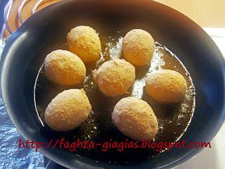 Αυγά βραστά παναρισμένα - από «Τα φαγητά της γιαγιάς»