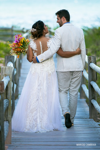 casamento no club med trancoso destination wedding na praia, vestido da noiva, roupa do noivo