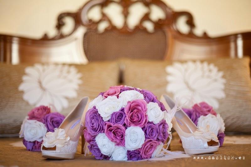 zapatos y ramo de novia