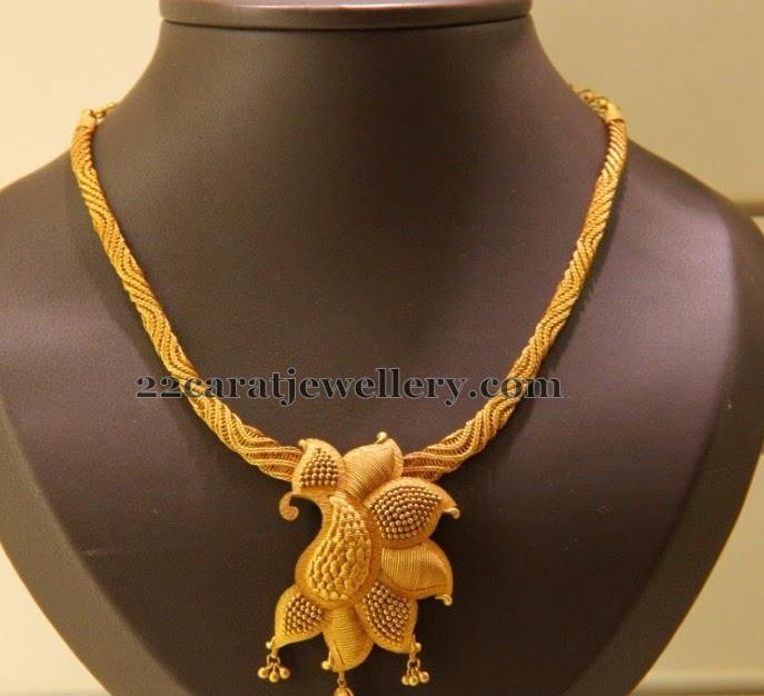 Kirtilals Fancy Flower Necklace Jewellery Designs