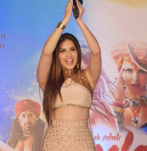 Sunny Leone in Golden Brown Gown Promoting Ek Paheli Leela Movie in Mumbai