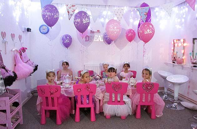 Fantasia fiestas tematicas haz la fiesta de princesas mas - Ideas decoracion fiesta ...
