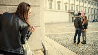 Merasa Curiga Pacar Selingkuh? Jangan Takut, Pergoki Dia Lewat 5 Cara Langka Ini