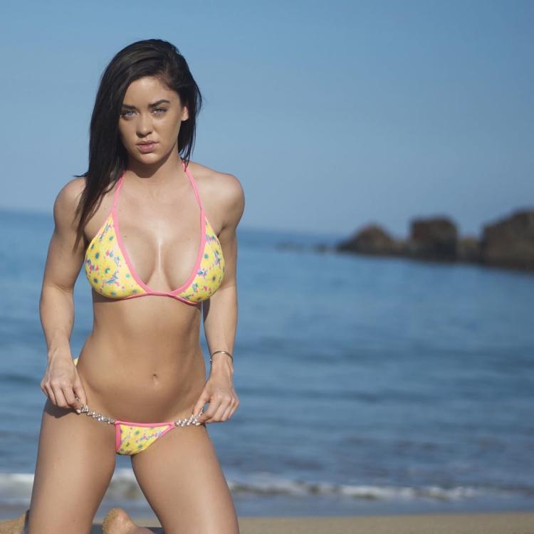 Fitness Model Katy Hearn 6