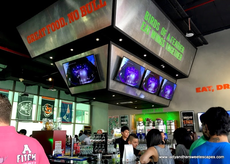 beverage station at Original Wings and Rings