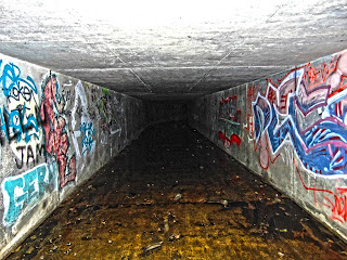 "<img src=""Tunnel 2 under the A640"" alt="" derelictmanchester.blogspot.com/p/dowry-tunnel-nr-denhsaw.html"" />"