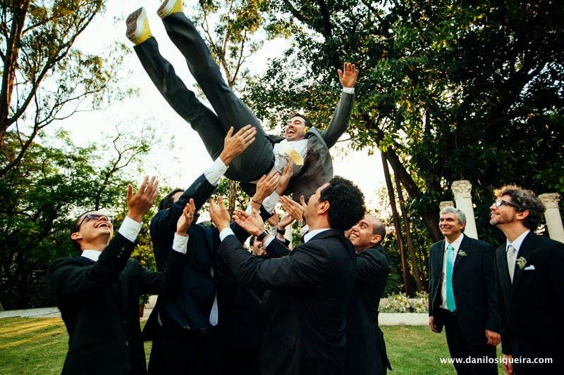 noivos - foto padrinhos - padrinhos - foto divertida casamento